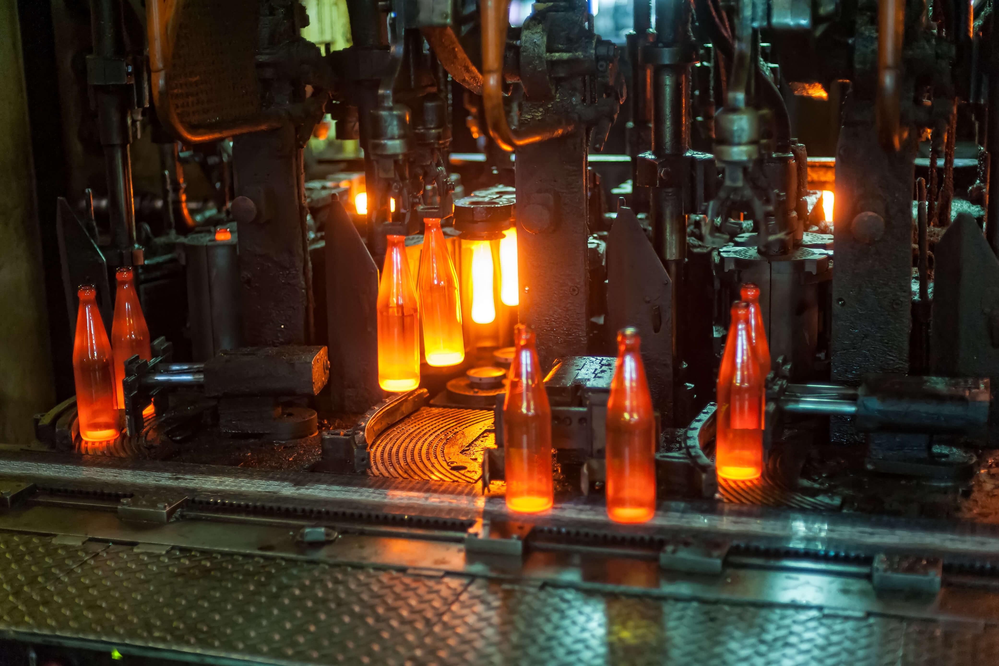 Steuerungsbau mit Regelung für industrielle Heizungen